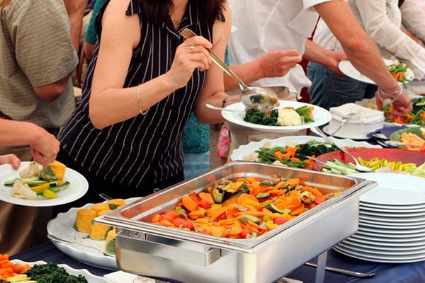 Оказание услуг по организации питания